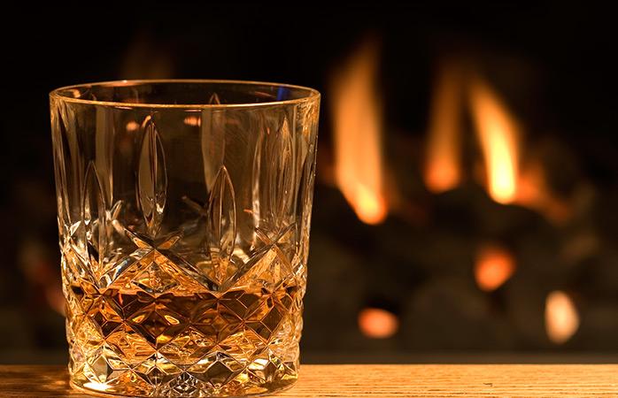Agora que juntaste um toque de whisky, está na hora de tornar esta bebida mais natalícia!