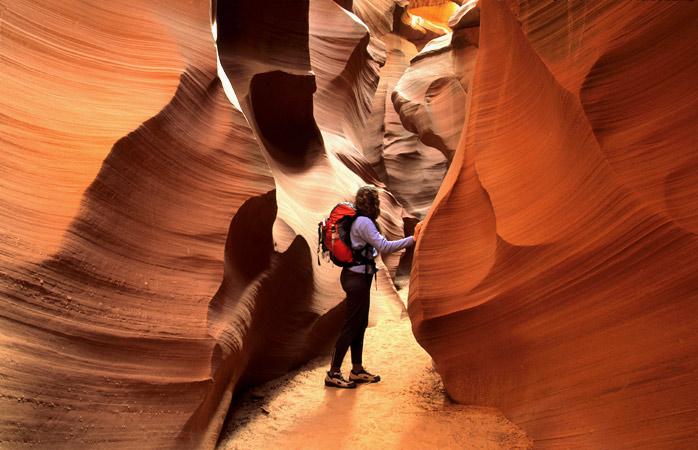 Escorrega pelos corredores estreitos de Antelope Canyon