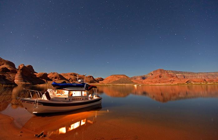 Depois de explorar o Glen Canyon, não há nada que se compare ao pôr-do-sol sobre o Lago Powell