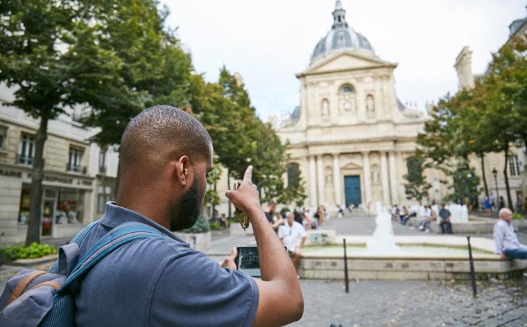 O dia-a-dia dos locais: Paris