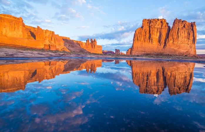 Beleza bruta e majestosa – As torres Three Gossips, Sheep Rock e Courthouse no Parque Nacional Arches