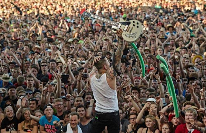 Como o nome indica, o Rock am Ring de Nürburg é um festival de música rock da pesada