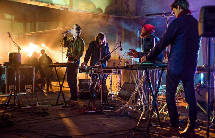 A banda dinamarquesa Efterklang impressiona o público no Rewire