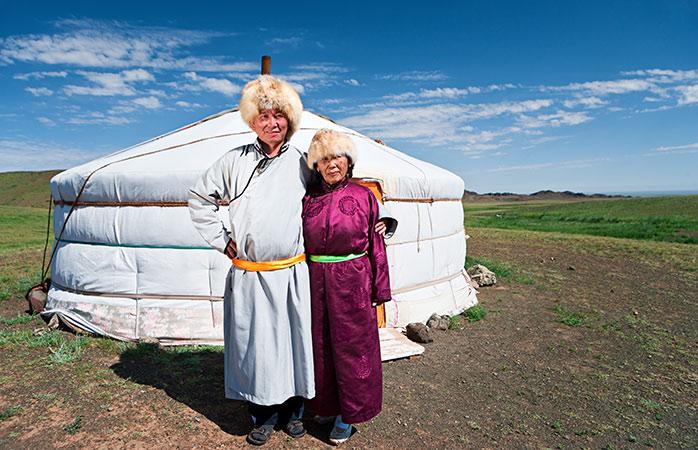 Um casal local da Mongólia Interior – a região autónoma no Norte da China onde passa o comboio Transiberiano