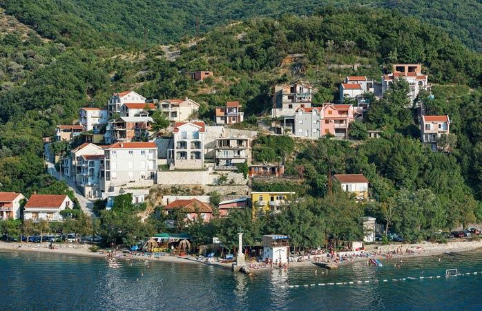 Escondida na Baía de Kotor – A praia de Lepetane
