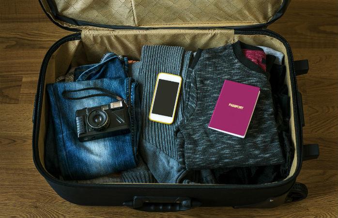 Sabes o que te é permitido levar na bagagem de mão? © Ismailciydem / iStock