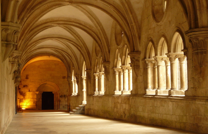 Os corredores do Mosteiro de Alcobaça