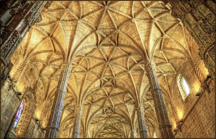 O hipnotizante teto do Mosteiro dos Jerónimos