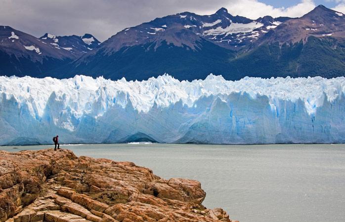 Um dos bastiões da região da Patagónia, o Perito Moreno é um lugar fantástico para contemplar paisagens lindas e os mistérios da vida