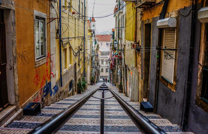 Road trip Portugal - Caminha pelas ruas íngremes e coloridas de Lisboa