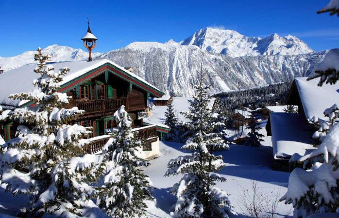 Courchevel 1850 fica no alto das montanhas, cheia de visitas de alta classe ano após ano