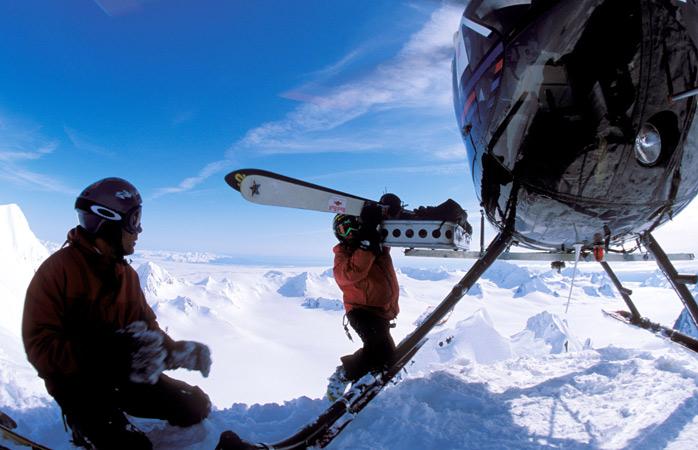 Não há desportos radicais de inverno mais extremos que o heli-ski!