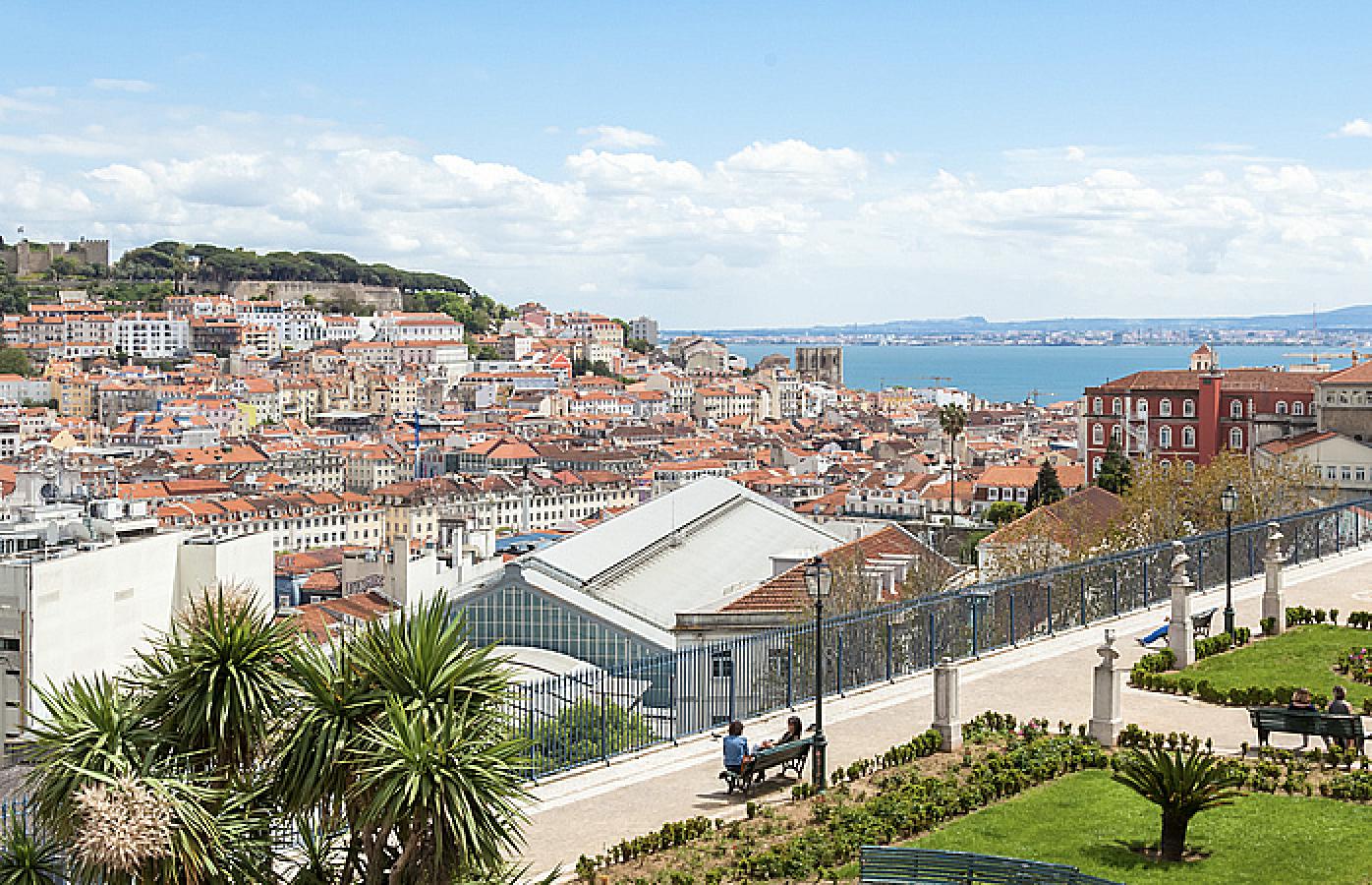 Miradouro de São Pedro de Alcântara - situado no Bairro Alto, Lisboa