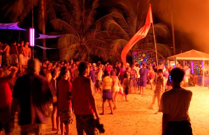 A famosa Full Moon Party em Ko Pha-ngan.