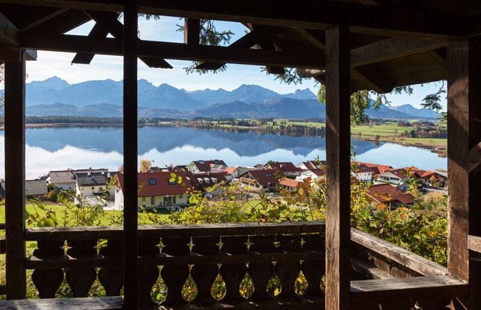 As montanhas estão vivas com o som da música nos alpes da Bavária