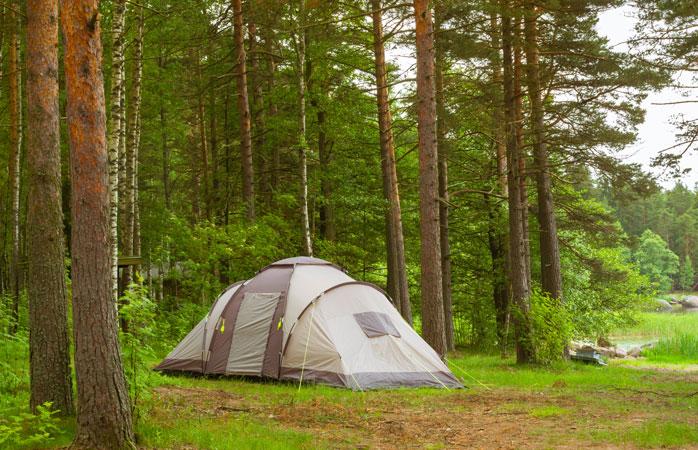 Faz campismo livre no Parque Nacional do Arquipélago Finlandês