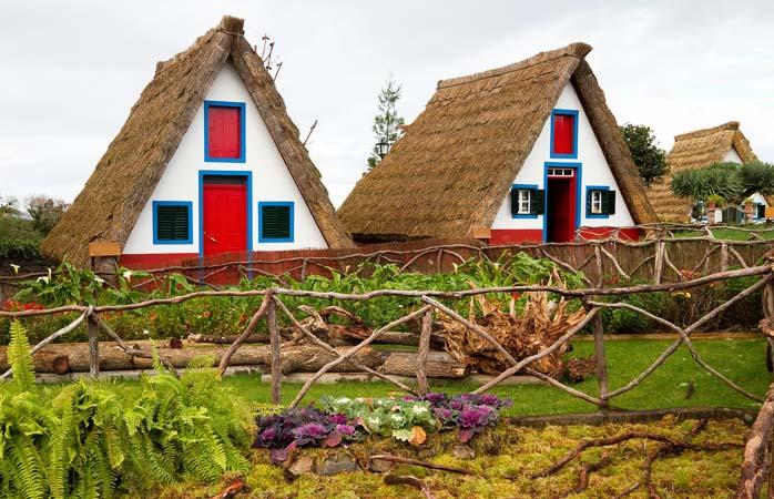 As casinhas típicas de Santana na Madeira.