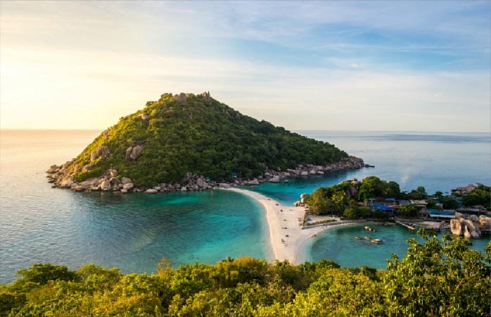 Vizinha a Ko Tao, Ko Nang Yuan é uma das ilhas da Tailândia mais deslumbrantes.