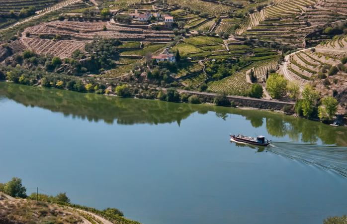 O Rio Douro visto de Tabuaço, perto de Viseu, Portugal