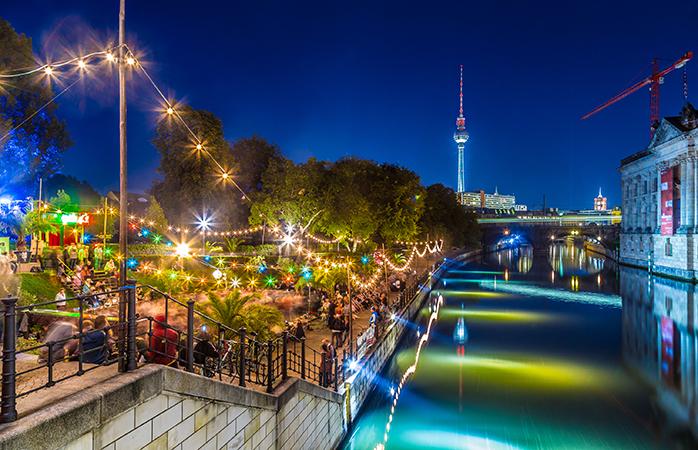 Refresca-te num bar de praia em Berlim