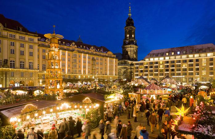 O Striezelmarkt em Dresden, é o mais antigo dos mercados de Natal da Alemanha
