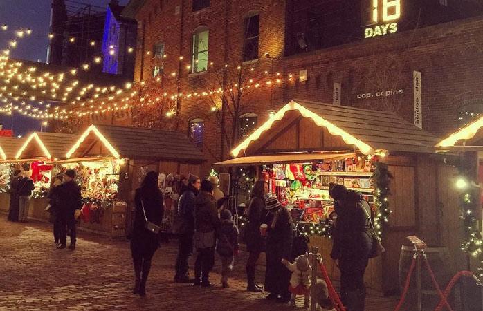 Natal com um toque canadiano no Distillery District de Toronto
