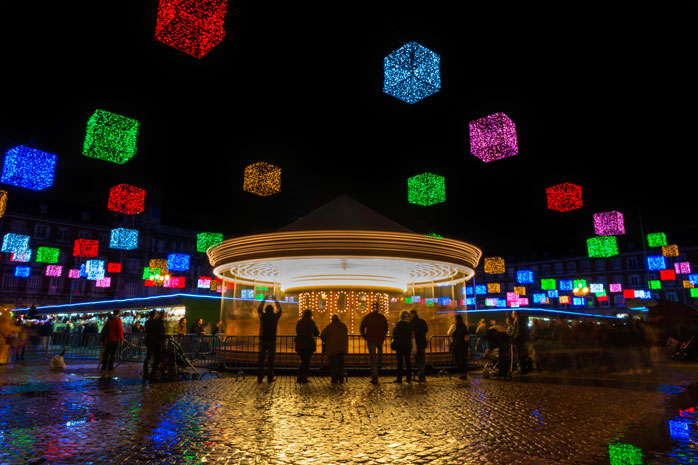 Visita Madrid para uma feira de Natal colorida
