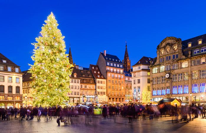 Os franceses sabem qualquer coisinha sobre montar mercados de Natal como deve ser