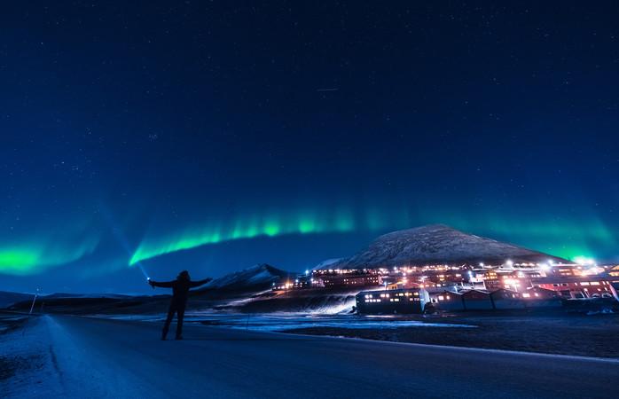 Graças à noite polar, podes ver a Aurora a qualquer altura do dia