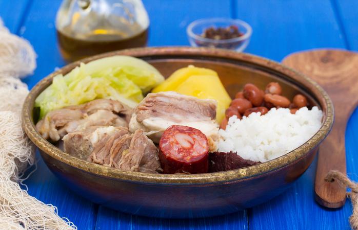Típico cozido à portuguesa que todos nós gostamos e que faz parte da culinária portuguesa.