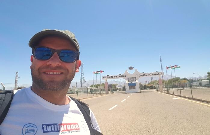 Mesmo na fronteira. Foto: Mário Roldão