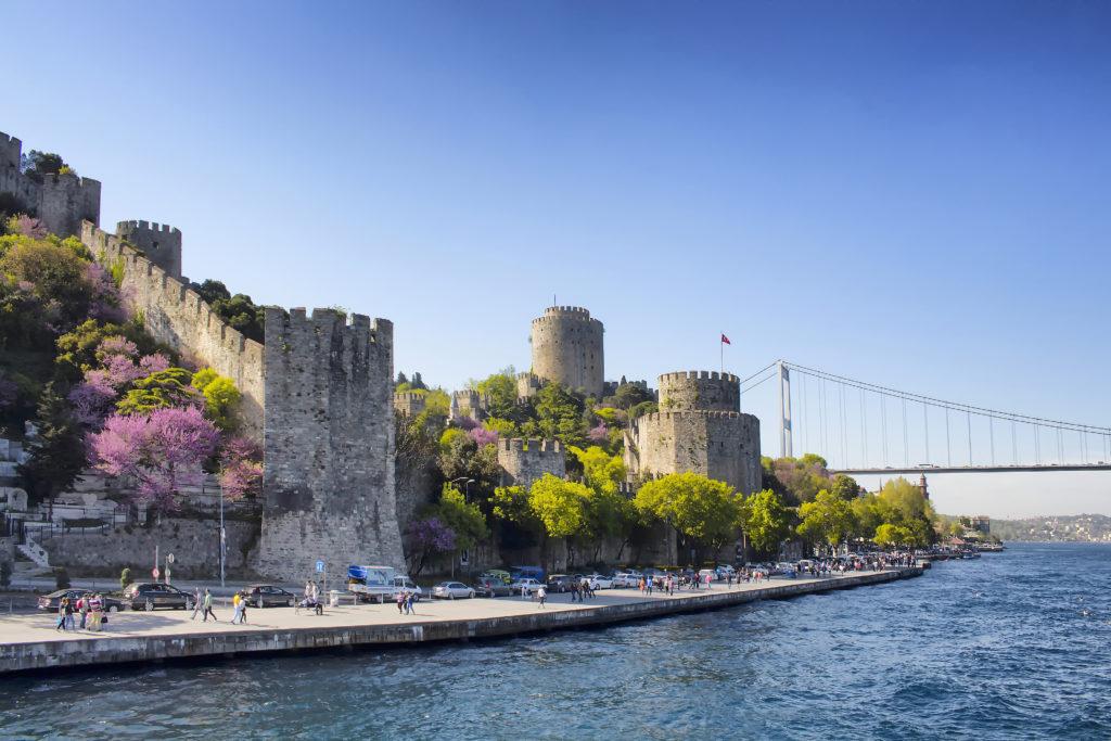 Istambul é uma explosão e cor nos meses primaveris