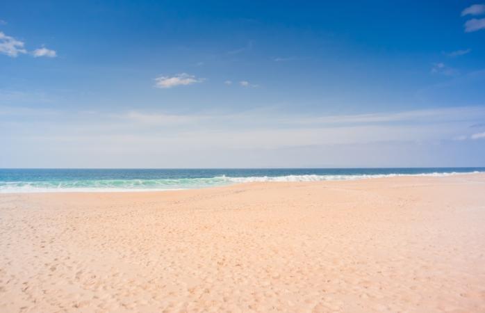 Sem sombras e livre para ti, está a praia da Vigia.