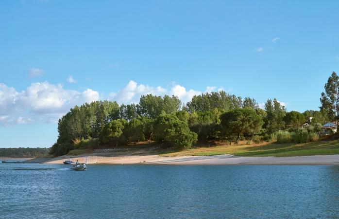 Não deixes de aproveitar a Barragem de Montargil quando aqui estiveres.