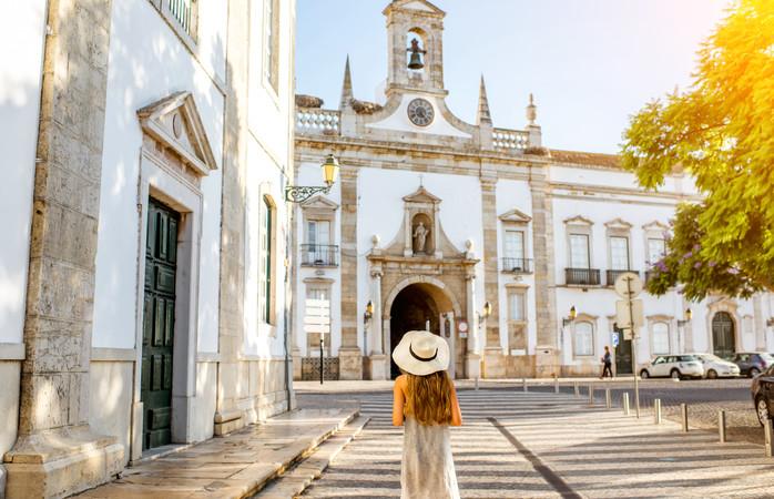 Faz um visita ao centro de Faro. Não te vais arrepender.