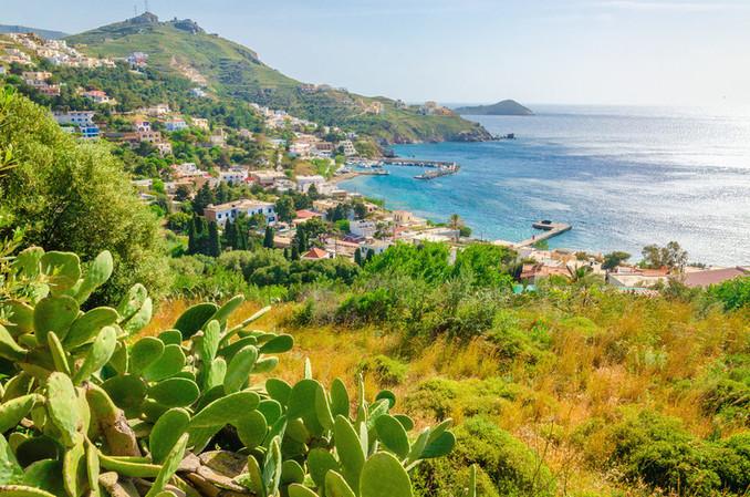 Aproveita as tuas férias nas ilhas gregas para visitares áreas verdes além do mar. - Quios