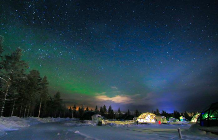 Deixa-te maravilhar pela interminável Aurora Boreal no Hotel Kakslauttanen