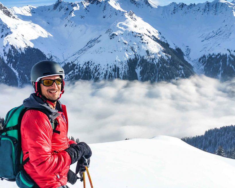 """Ski """"low-cost"""": 9 destinos de neve económicos fora dos Alpes"""
