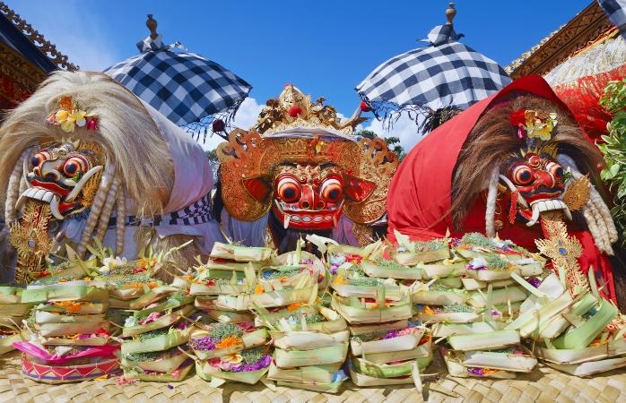 Os espíritos tradicionais de Bali. Eles fazem parte de uma tradição, que precede o Nyepi.